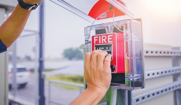 בדיקת מערכת גילוי אש ע''י יועץ בטיחות - מיגון אלקטרוניקה